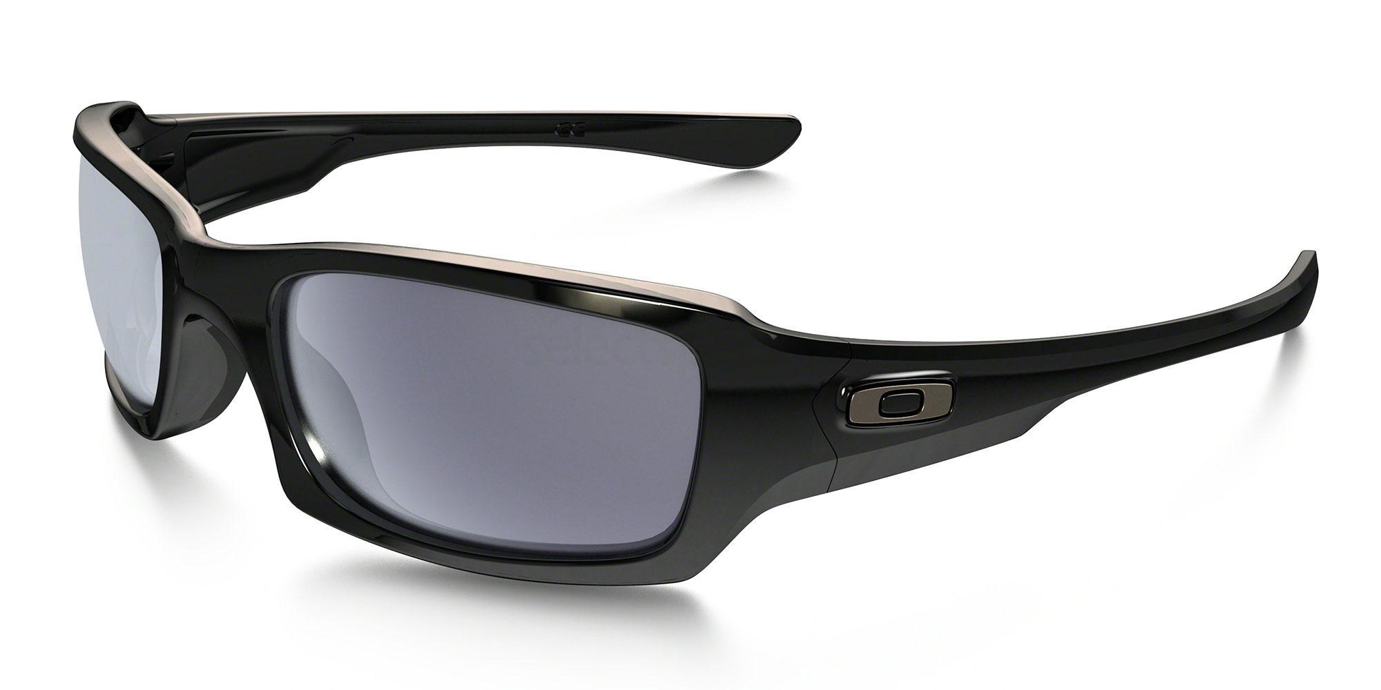 Oakley_OO9238_Fives_squared_sunglasses
